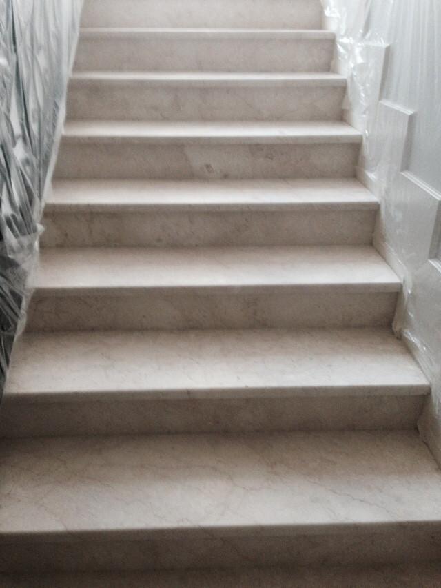 Шлифовка мраморной лестницы